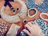 esra-aslangilay-renkli-islemeli-boncuklu-tasli-kisiye-ozel-papyon-yaka-tasarimlari-tesettur-giyim-kombinleri-18