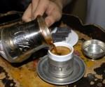 Hurma ve Turk Kahvesi Tok Tutuyor