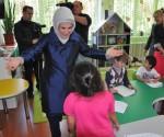 Emine Erdogandan Turk Okullarina Ozel Ilgi